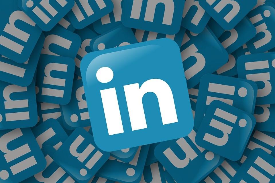 Group of LinkedIn Logos