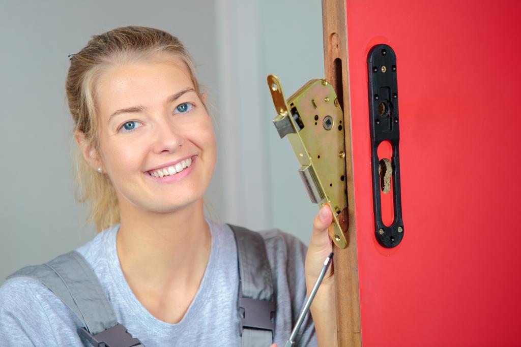 Female Locksmith
